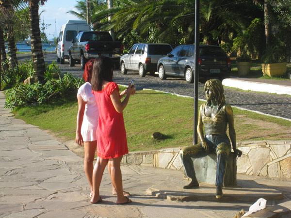 bardot, buzios (statue)
