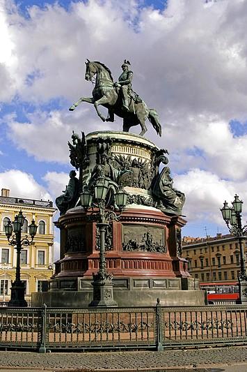 Montferrand designed the pedestal for the Nicholas I equestrian statue