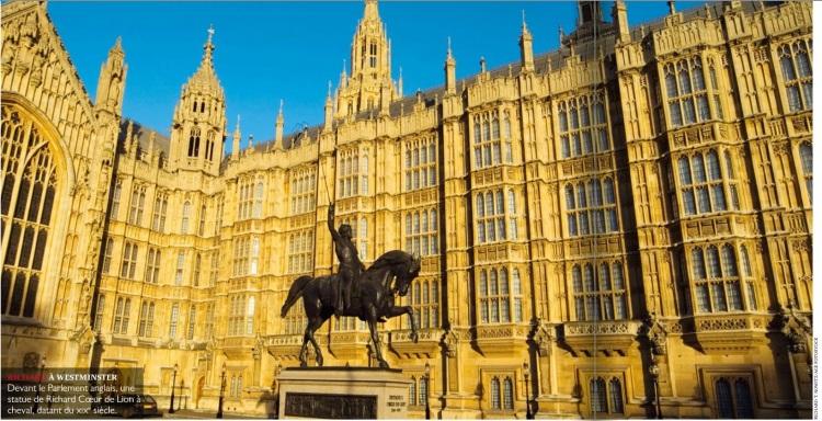 Richard à Westminster. Devant le Parlement anglais, une statue de Richard Coeur de Lion à cheval, datant du XIX° siècle