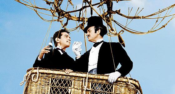 Fotograma de La vuelta al mundo en ochenta días (1956), filme basado en la obra de Verne