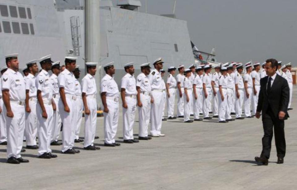 Nicolas sarkozy à Abou Dhabi, aux Emirats arabes unis, lors de l'inauguration de la base militaire française le 26 mai 2009. — ALI HAIDER/EPA/SIPA