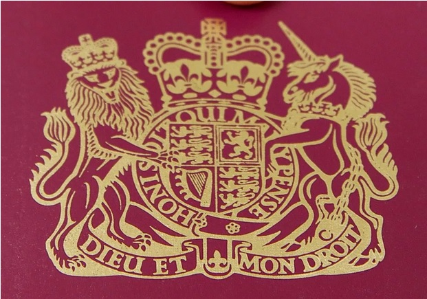 This is the fascinating reason there are two French phrases on a British passport_2