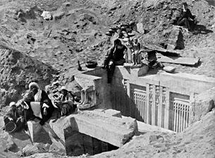 Auguste Mariette découvre le Sérapeum de Memphis France Archives
