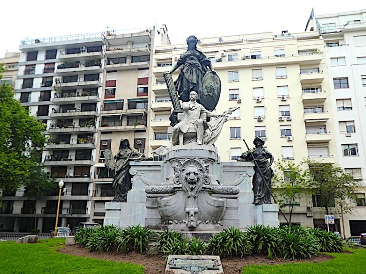 Argentine_buenosaires_monument_Carlos-Pellegrini
