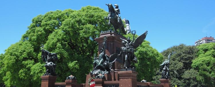 Argentine_buenosaires_monumento_sa_martin