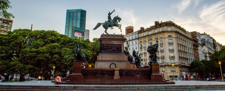 Argentine_buenosaires_monumento_sa_martin_img2.jpg