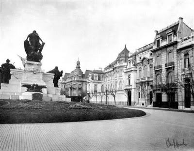 Monument à Carlos Pellegrini – Plaza Pellegrini -Buenos Aires