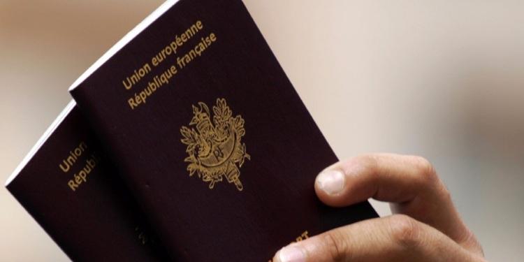 Pourquoi le passeport français est le plus puissant du monde Europe 1
