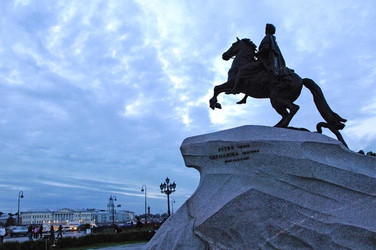 Un Jour dans l'Histoire le Cavalier de bronze inauguré à Saint-Pétersbourg Russia Beyond_img1