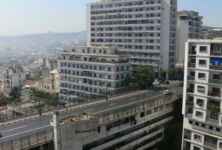 Les habitants de l'immeuble-Pont « Burdeau » du Telemly interpellent l'UNESCO