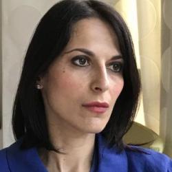 Elena Musiani est docteure en Histoire contemporaine de l'Université de Bologne